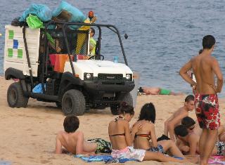 Recogida de residuos en la playa de Lloret de Mar