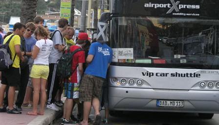 Grupo de turistas en Lloret de Mar / Foto: Archivo Blanesaldia