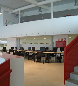 El Centre Cívic té tres plantes
