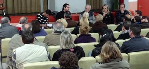 Imagen de la asamblea celebrada ayer en el local de Els Pins. / Foto: JFG