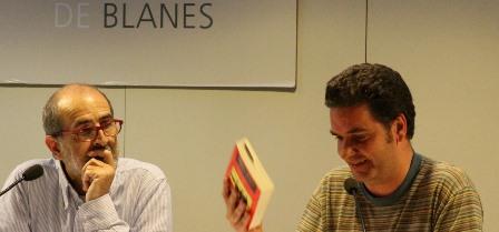 Antoni García Porta i Óscar Carreño, ahir a la Biblioteca Comarcal