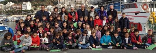 Imatge del primer grup d'escolars, el passat dijous al Port de Blanes