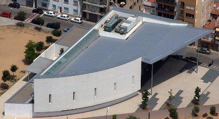 Imatge aèria de la Biblioteca Comarcal de Blanes / Foto: Xavier Pou