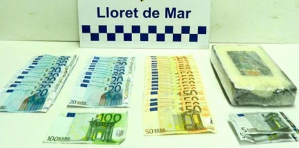 Els diners i la droga interviguda / Foto: Ajuntament de Lloret