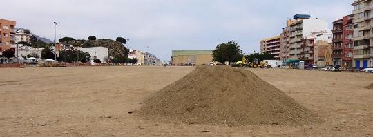Se ha comenzado a acondicionar el trreno para proceder a asfaltarlo / Foto: JFG
