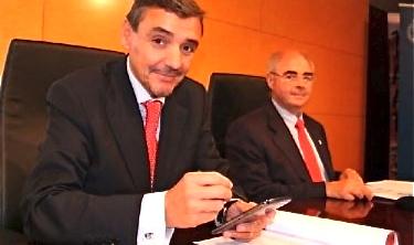 El degà del COETTC, Ferran Amago, i el director de l'oficina tècnica del Col·legi, Jesús Anguix