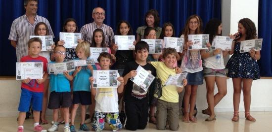 Els nens i nenes premiats, amb Josep Marigó y Xavier Marcos