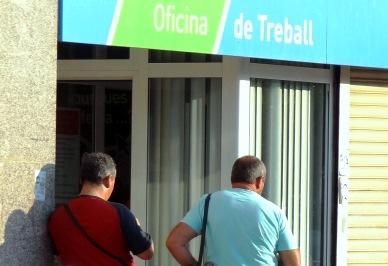 augment simb lic de l atur a l agost a la comarca de la
