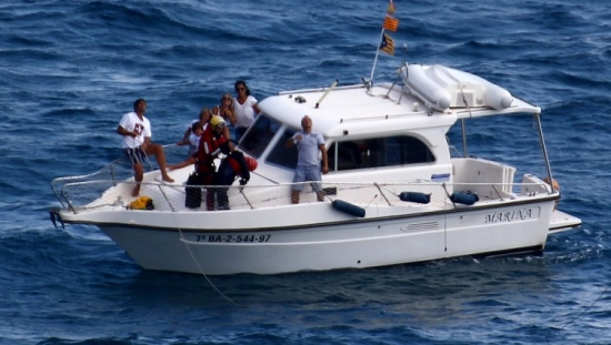 La embarcación, cuando el rescatador se encontraba en la cubierta / Foto: Anna Sais