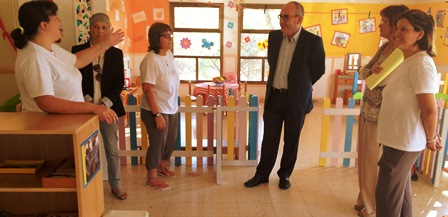 L'alcalde Josep Marigó i la regidora Ssana Ramajo han visitat avui la guarderia de Ca la Guidó