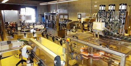 Maquinaria utilizada para el embotellado del cava Mont-Ferrant / Foto: JFG
