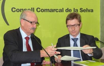 Domènec Espadalé y Salvador Balliu, ayer durante la firma del convenio / Foto: JFG