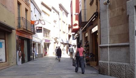 Cèntric carrer de la població / Foto: JFG