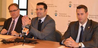 Antoni Abad, Xavier Amor i Guillem Mateo durant la roda de premsa d'aquest matí a l'Ajuntament de Pineda