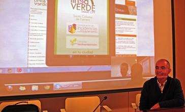 El regidor Josep Cullell, durant la presentació del nou servei / Foto: La Selva Comunica