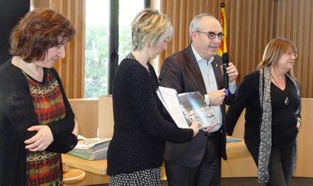 Josep Marigó, durante el acto de bienvenida, ayer en la sala de plenos del Ayuntamiento