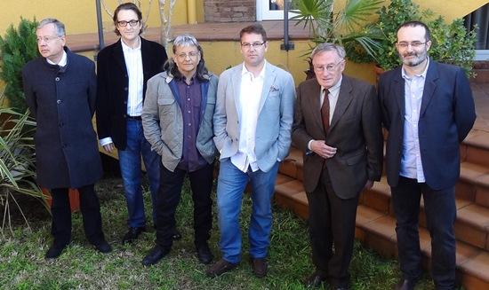 D'esquerra a dreta Joan Tudela, Ramon Madaula, Joan Carles González, Iñaki Rubio, Josep Víctor Gay i Jordi Serra, guanyuadors del Premis Literaris Recvll
