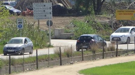 Vehículos circulando hoy por la zona agrícola de Malgrat