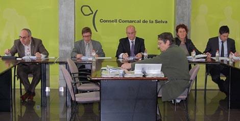 Imatge de la reunió en la seu del Consell Comarcal de la Selva
