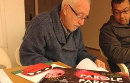 Josep Alum, preparant un assaig de l'obra