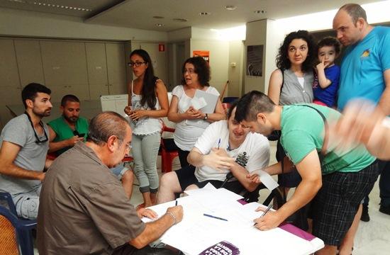 Se crearon varios grupos de trabajo, a los que se apuntaron una parte de los asistentes / Foto: JFG