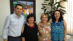 L'alcalde Xavier Amor i voluntàries de Càritas