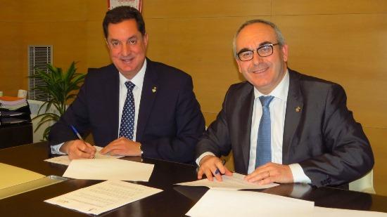 Romà Codina i Josep Marigó, durant la firma del conveni / Ajuntament de blanes