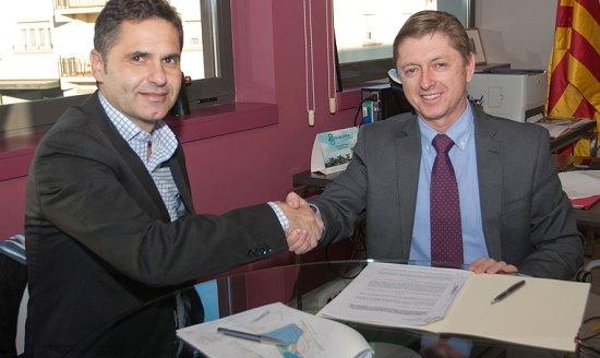 David Plana i Salvador Balliu durant la firma del conveni / Ajuntament de Caldes de Malavella