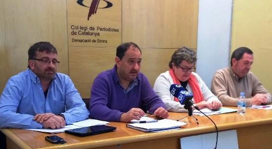 Al centre de la imatge Pere Garriga, alcalde d'Arbúcies, i Gisela Saladrich, alcaldessa de Tossa