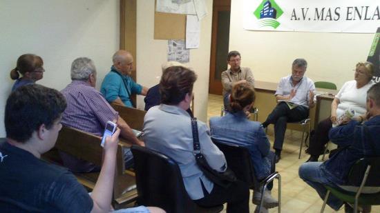 ICV-EUiA-Pirates va explicar ahor el seu programa al barri de Mas Enlaire