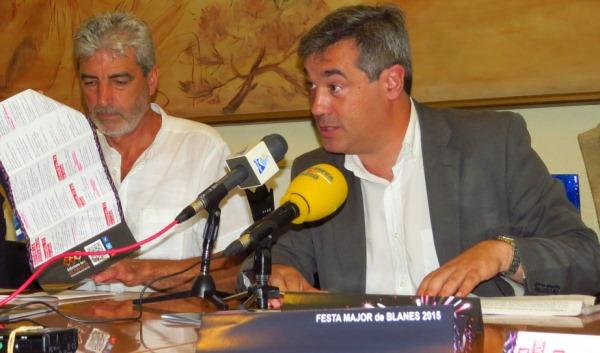Miquel Lupiáñez i Joaquim Torrecillas, avui a l'Ajuntament durant la presentació de la Festa Major de Santa Anna