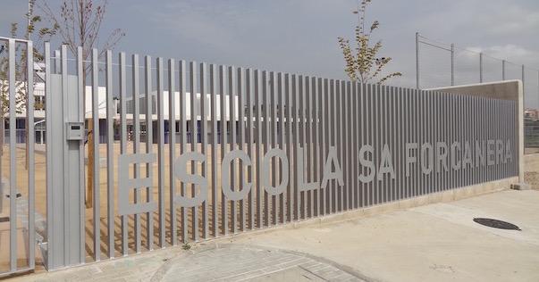 Entrada a l'Escola Sa Forcanera / JFG