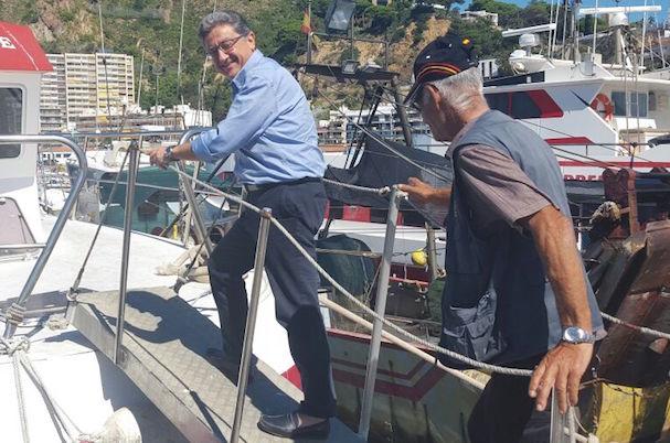 A l'esquerra de la imatge, Enric Millo