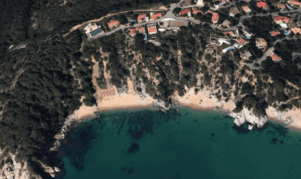 Cala Morisca / Google Earth