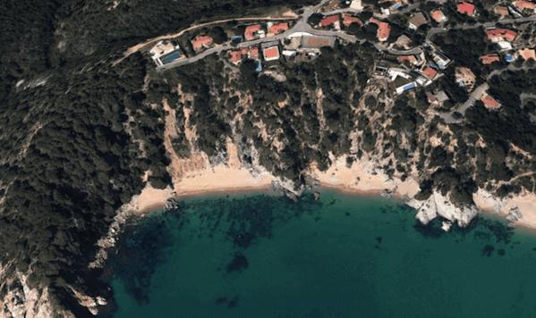 Cala Morisca / Google Earth