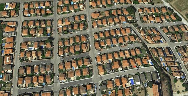 Imatge parcial de l'urbanització PineMar / Google Earth