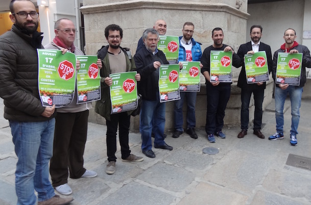 Representants dels partits polítics de Blanes contraris a la prolongació de la C-32
