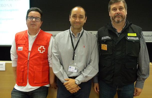 D'esquerra a dreta Jordi Martori (coordinador provincial de Creu Roja), Jordi Ruiz (coordinador GIPCE) i Jordi Frau (cap de l'equip del Servei d'Emergències Psicològiques de Dipsalut)