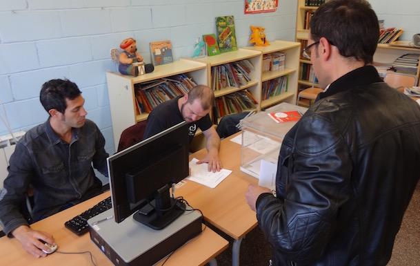 Votació al Col·legi Pinya de Rosa