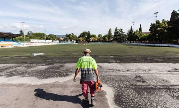 Substitueixen la gespa artificial del camp de futbol de - Gespa artificial girona ...