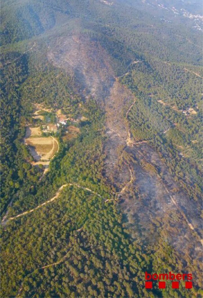 Imatge del perímetre del l'incendi, queha està controlat / Bmbers de la Generalitat